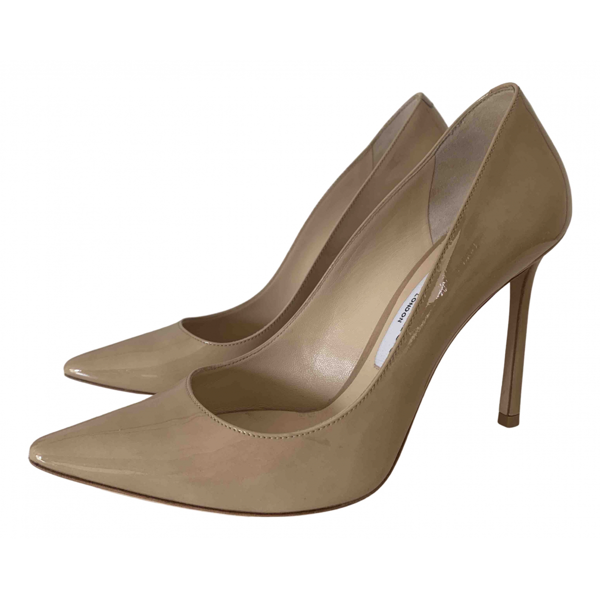 Jimmy Choo Romy Pumps in  Beige Lackleder