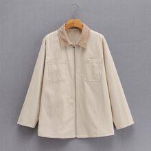 Mantel mit Kontrast am Kragen, zwei Taschen und Reissverschluss