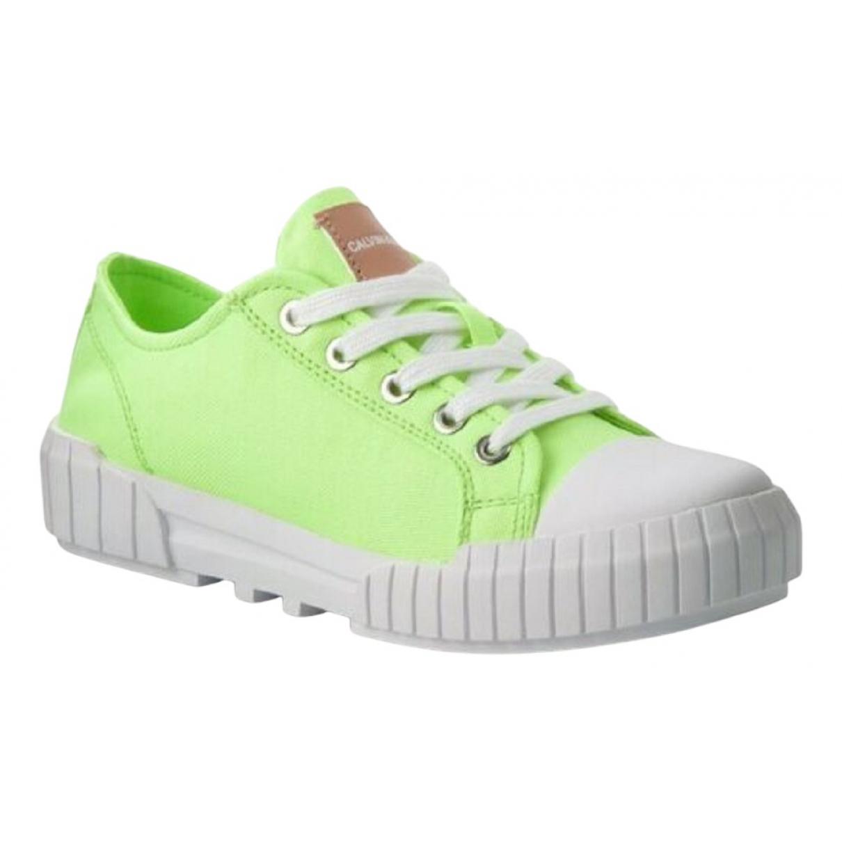 Calvin Klein \N Sneakers in  Gruen Leinen