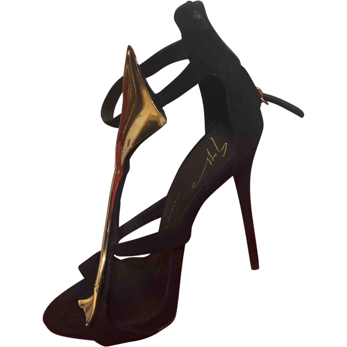 Giuseppe Zanotti \N Black Suede Sandals for Women 38 EU