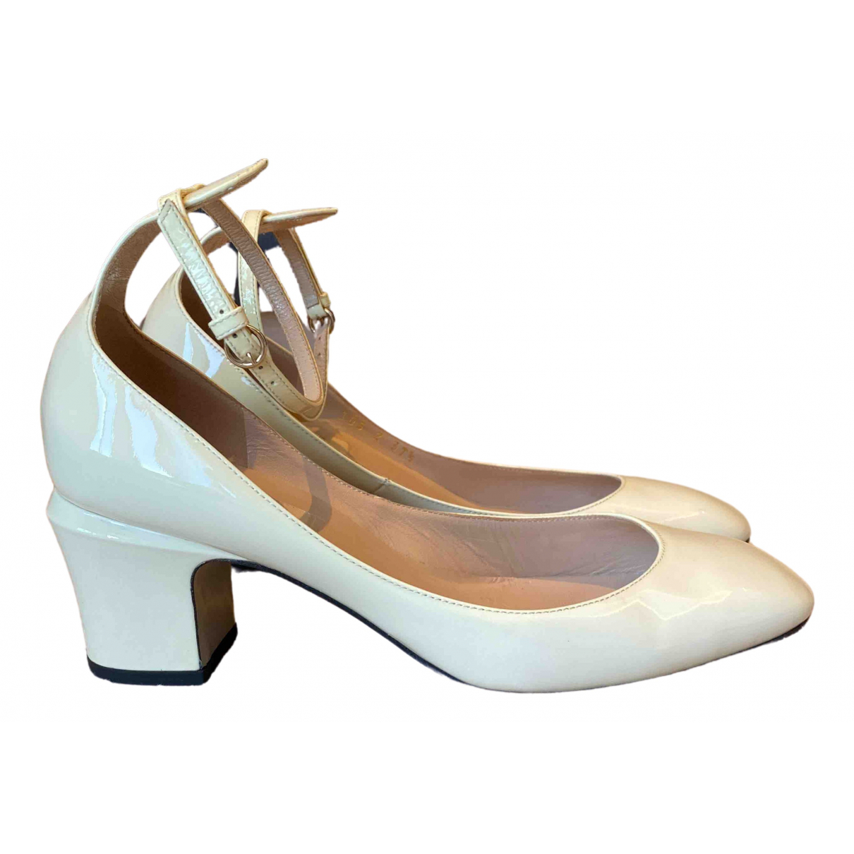 Valentino Garavani Tango Beige Patent leather Sandals for Women 37.5 IT