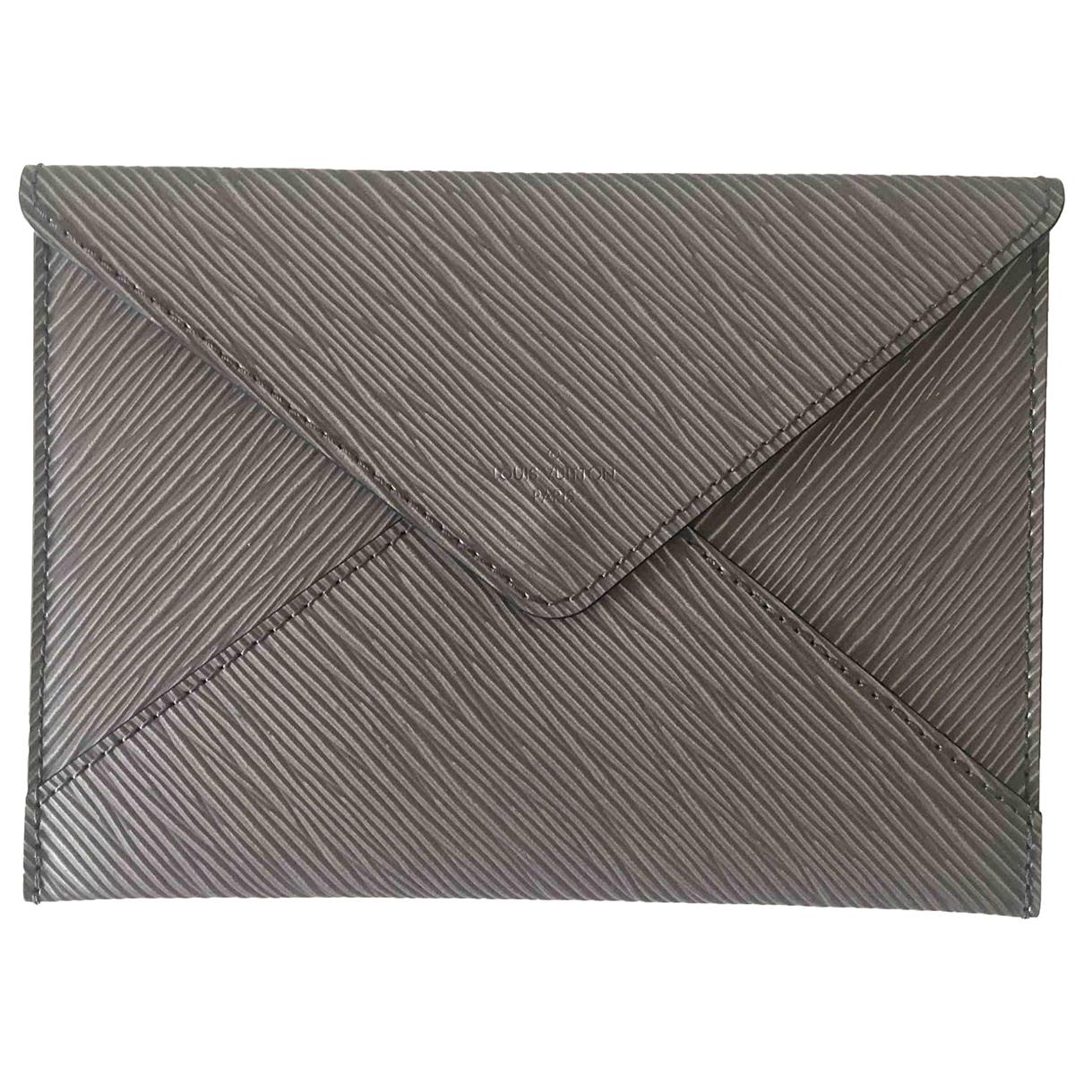 Louis Vuitton \N Silver Leather Clutch bag for Women \N