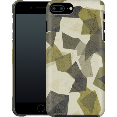 Apple iPhone 8 Plus Smartphone Huelle - Geometric Camo Green von caseable Designs