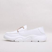 Loafers mit metallischem Dekor