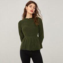 Pullover mit Rueschen am Kragen und ausgestelltem Saum