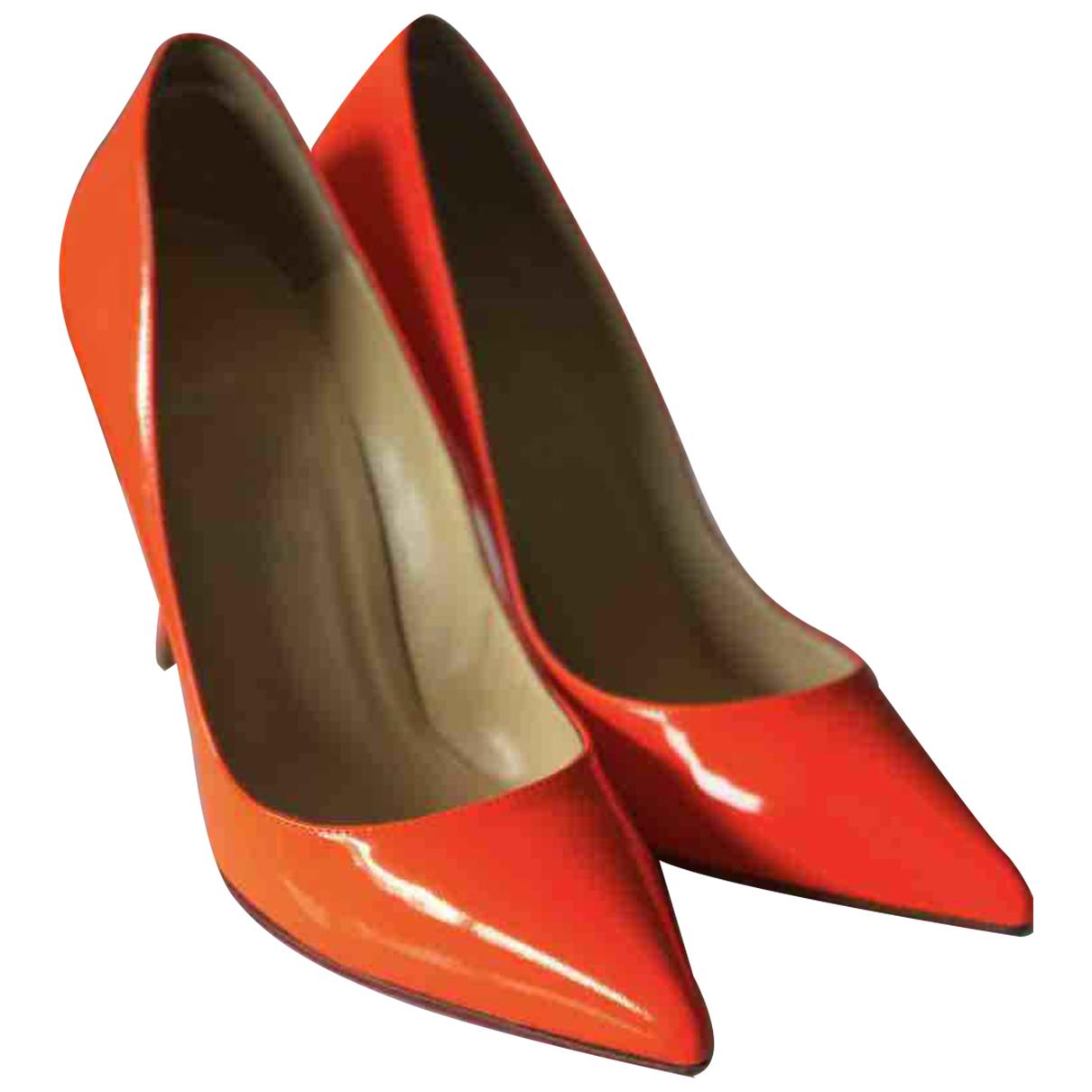 Christian Louboutin So Kate  Pumps in  Orange Lackleder