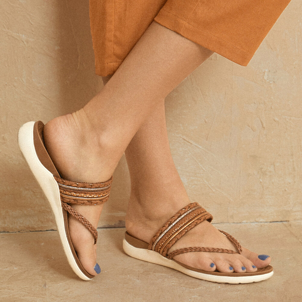 LOSTISY Brown Clip Toe Knitted Flip Flops Flat Slippers