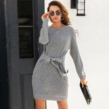 Pullover Kleid mit Band vorn und sehr tief angesetzter Schulterpartie
