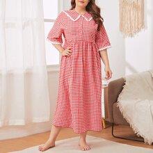 Nachtkleid mit Schiffy Einsatz, Rueschen, Knopfen vorn und Karo Muster