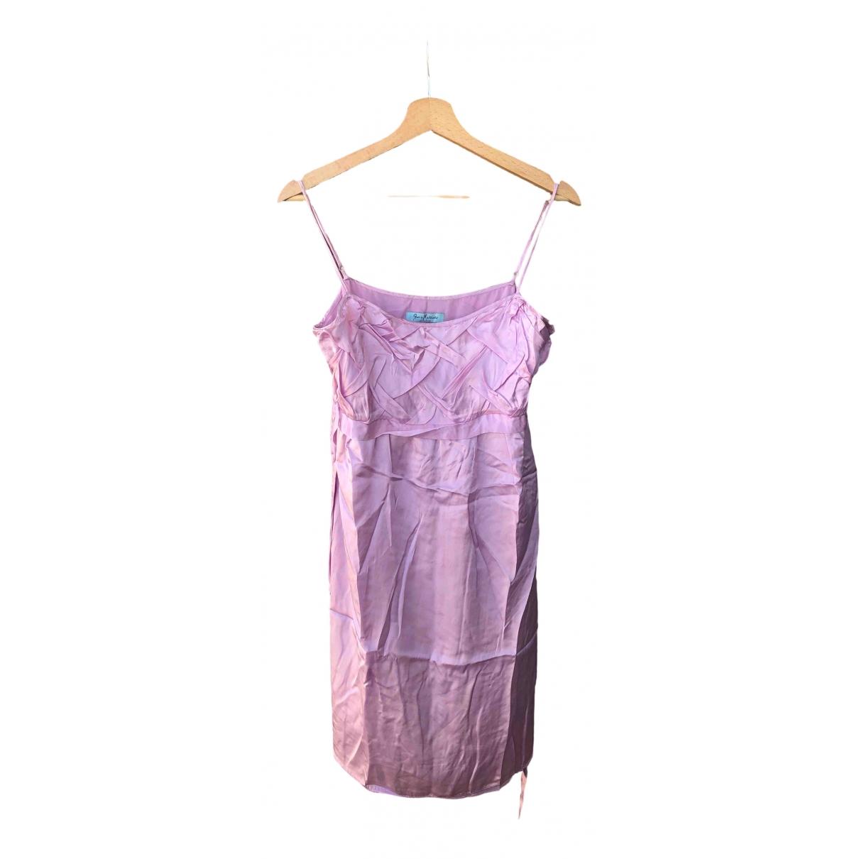 Guess \N Kleid in  Lila Seide