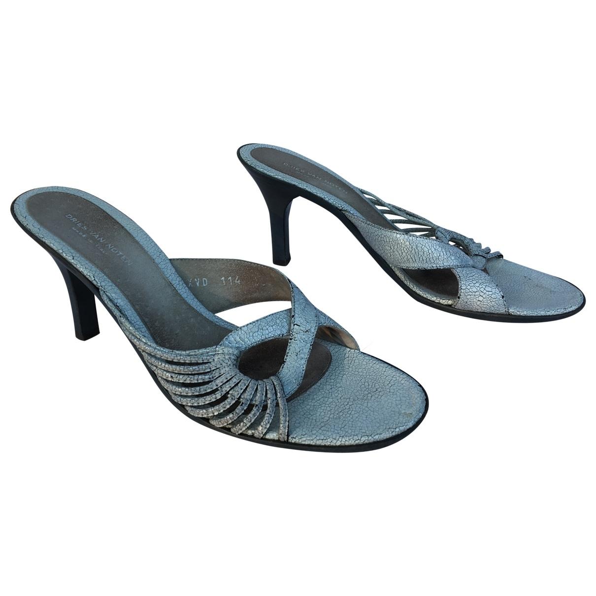 Dries Van Noten - Sandales   pour femme en cuir verni - gris