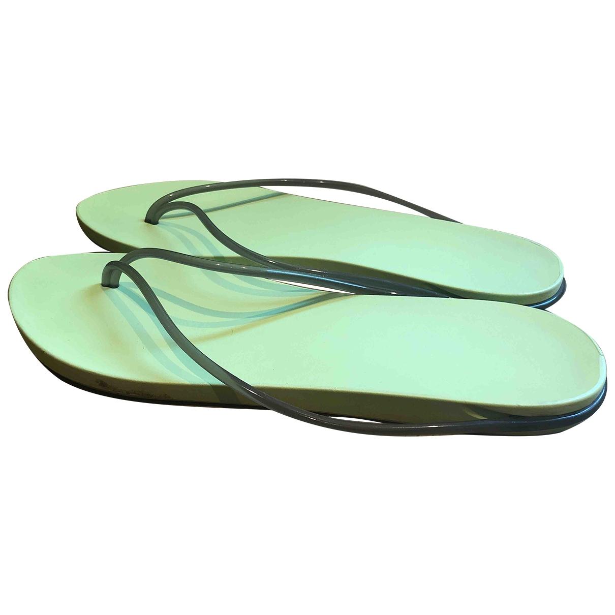 Starck \N Sandalen in  Gruen Kunststoff