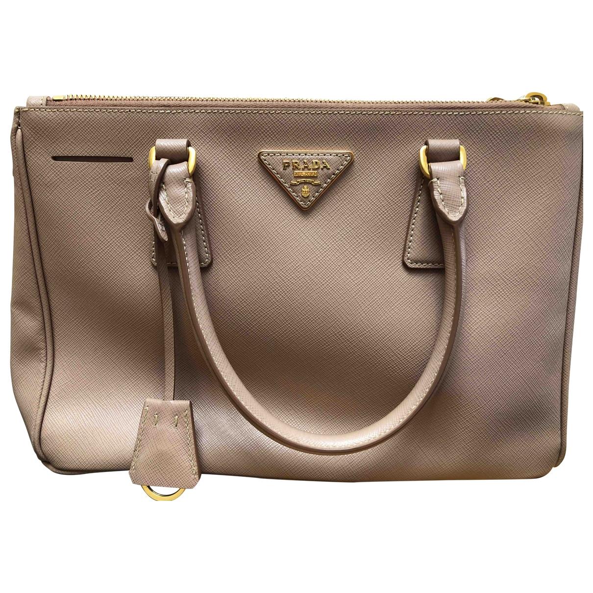 Prada Galleria Handtasche in  Beige Leder