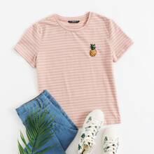 Camiseta con bordado de piña de rayas