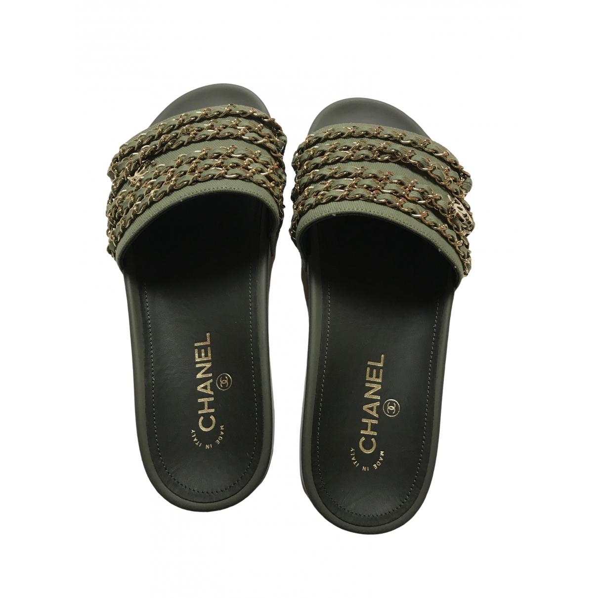 Chanel \N Sandalen in  Gruen Leinen