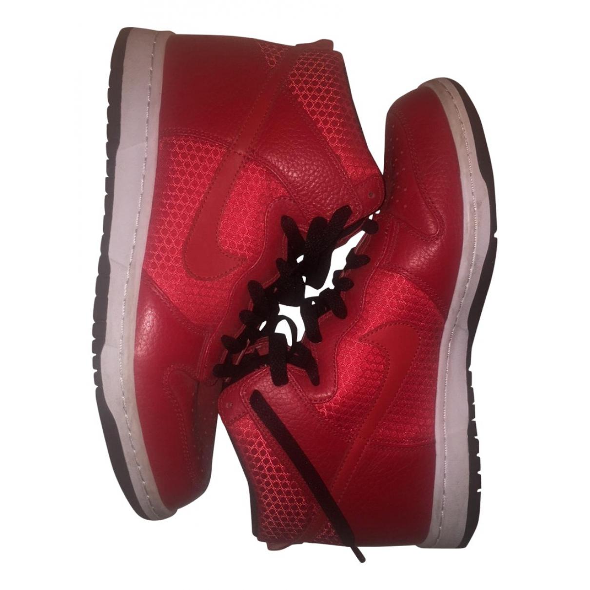 Nike \N Sneakers in  Rot Leder