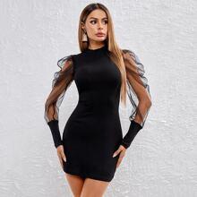 Strick figurbetontes Kleid mit Netzstoff und Gigotaermeln