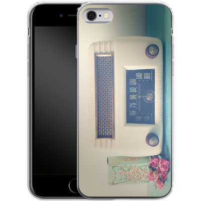 Apple iPhone 6 Silikon Handyhuelle - Retro Radio von Joy StClaire