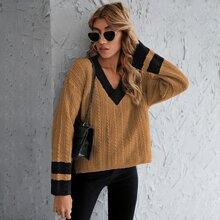 Pullover mit Zopfmuster, Streifen und Stufensaum