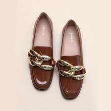 Loafers mit Kette Dekor
