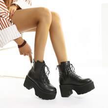 Stiefel mit klobiger Sohle, Plattform und Band