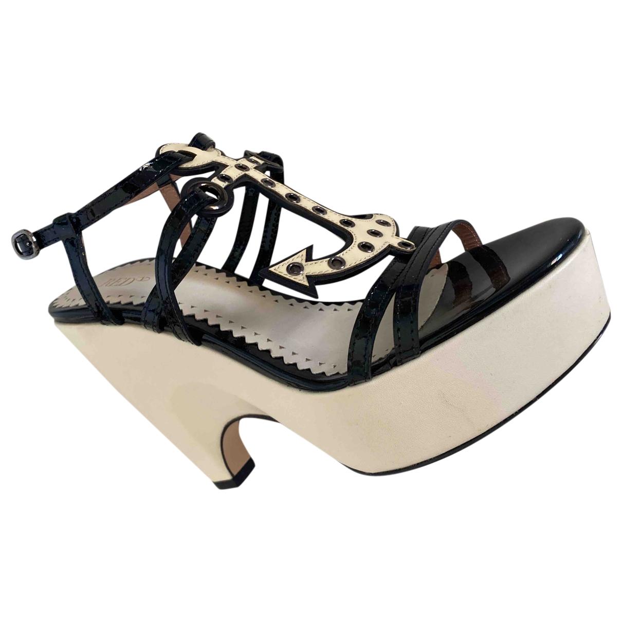 Red Valentino Garavani \N White Leather Sandals for Women 37 EU