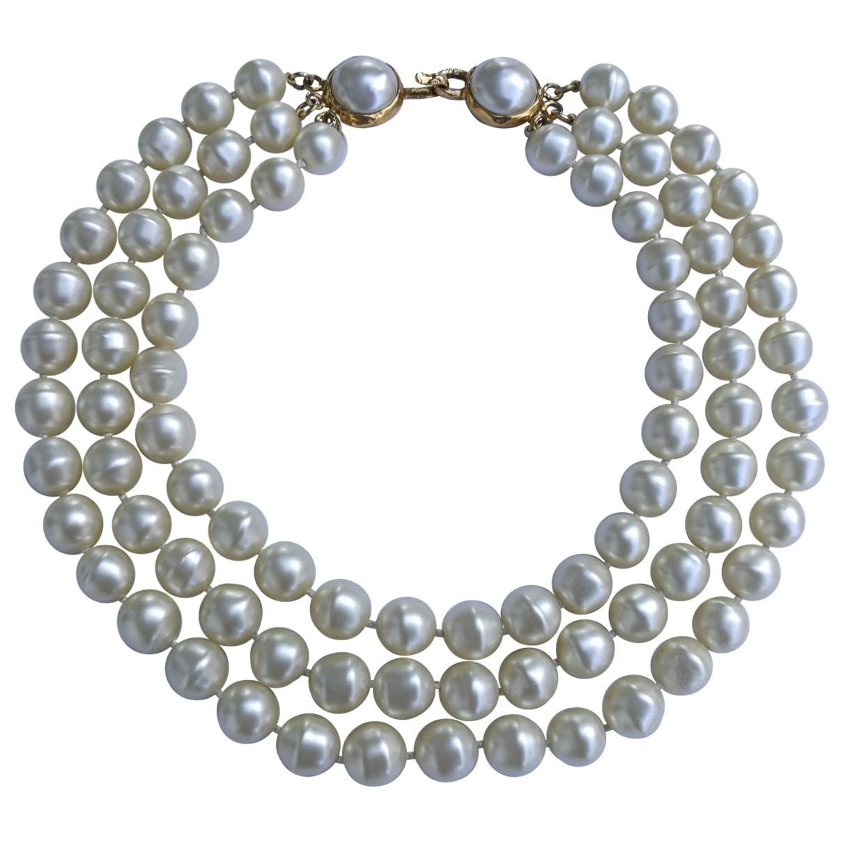 Chanel \N Ecru Pearls necklace for Women \N