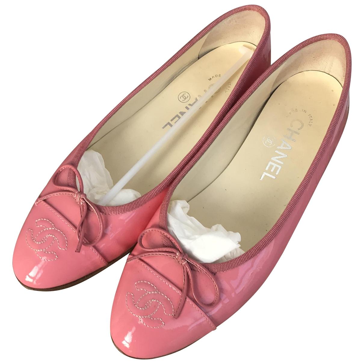Chanel \N Ballerinas in  Rosa Lackleder