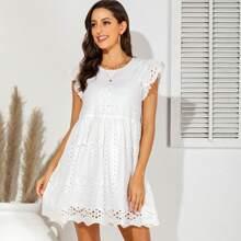 Reines Kleid mit Ose Stickereien