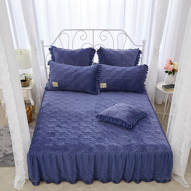 Simple Geometric Pattern Solid Color Lace Crystal Velvet Bed Skirt
