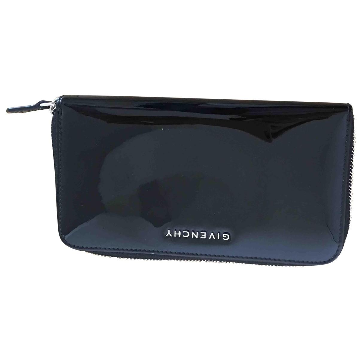 Givenchy \N Portemonnaie in  Schwarz Lackleder