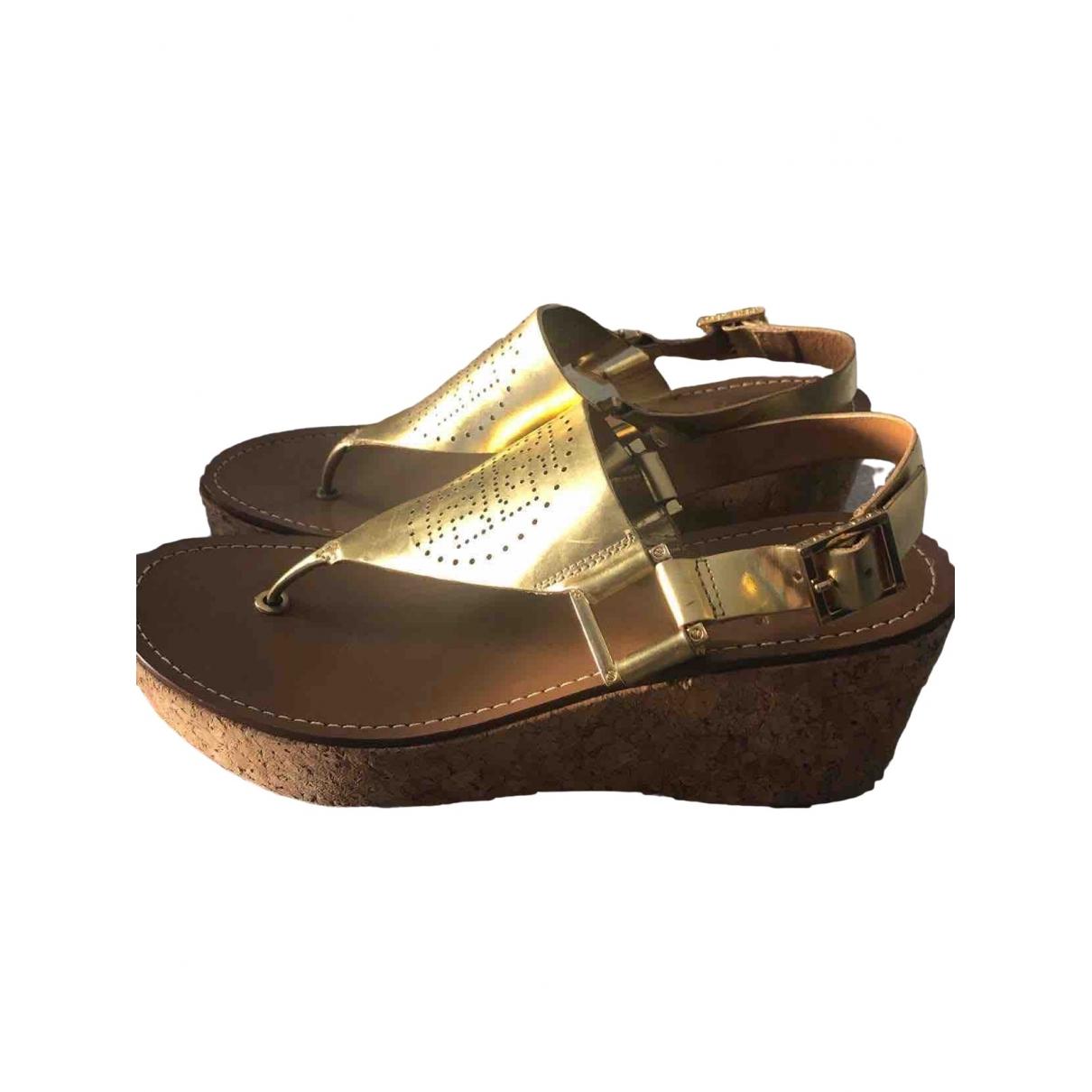 Tory Burch \N Sandalen in  Gold Leder