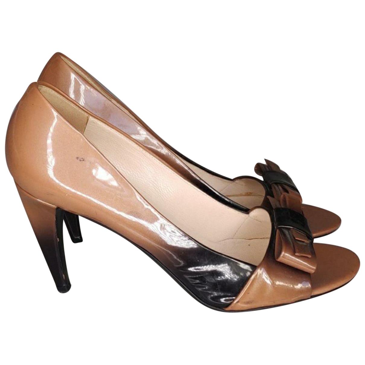 Prada - Escarpins   pour femme en cuir verni - camel