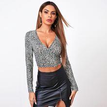 Camiseta de cuello V de leopardo