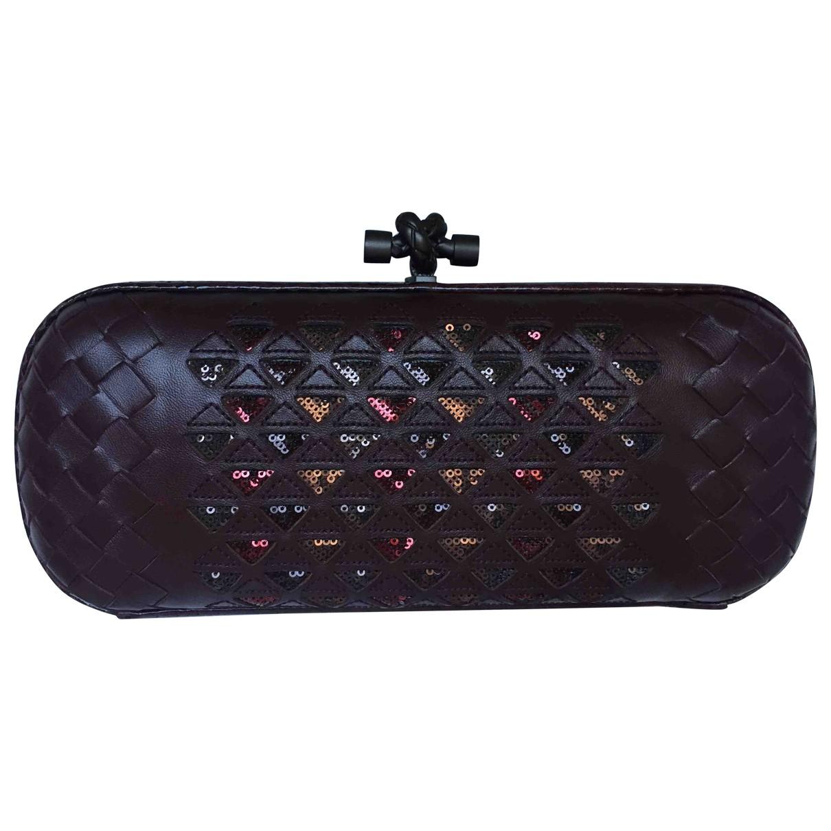 Bottega Veneta Pochette Knot Burgundy Leather Clutch bag for Women \N