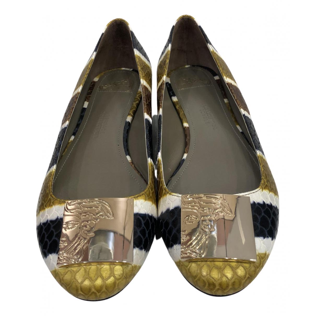 Versace \N Ballerinas in  Bunt Leder