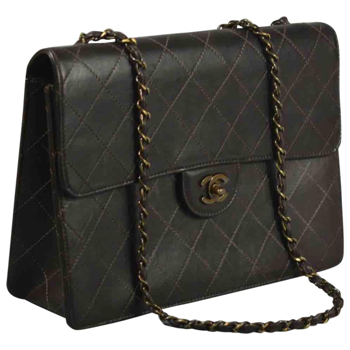 Chanel Timeless/Classique Handtasche in  Braun Leder