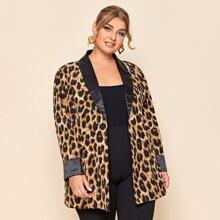 Blazer de cuello esmoquin con estampado de leopardo