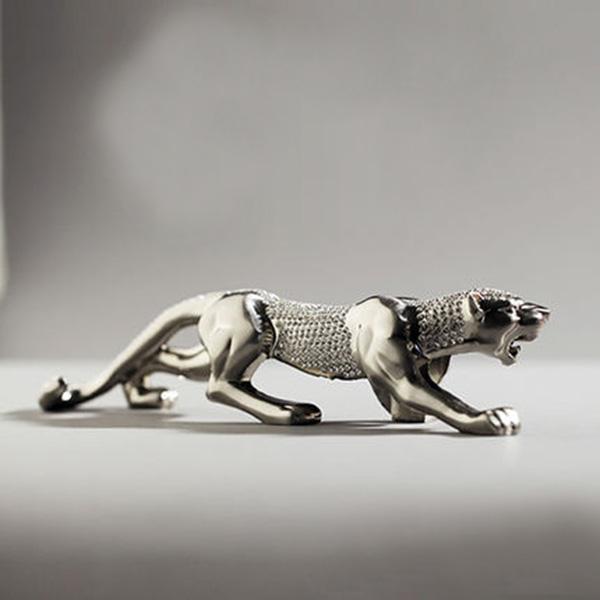 Luxury Diamond Patterned Leopard Figurine Dashboard Car Creative Decor