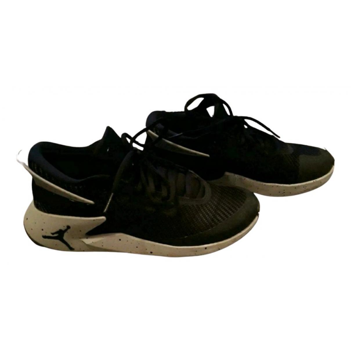 Jordan \N Sneakers in  Schwarz Polyester