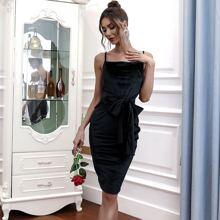 Samt Kleid mit Reissverschluss hinten und Band vorn