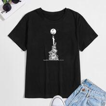 Camiseta con estampado de figura y luna