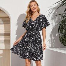 Kleid mit Muster, Kordelzug und Falten