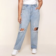 Jeans mit leichter Waschung und Riss