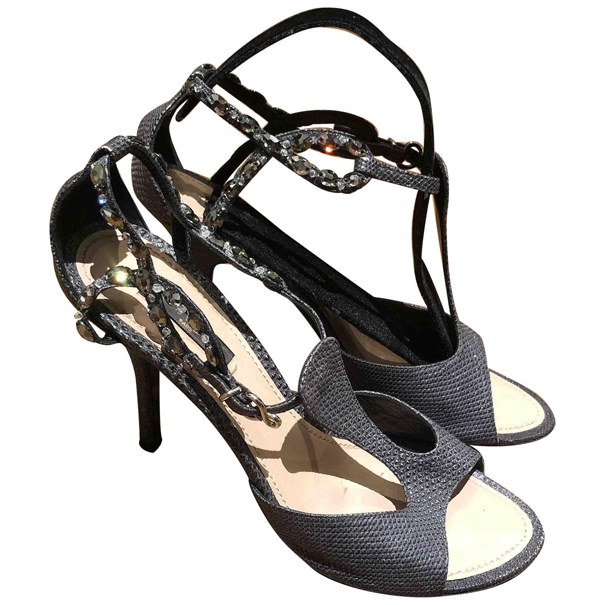 Louis Vuitton \N Grey Cloth Sandals for Women 39 IT