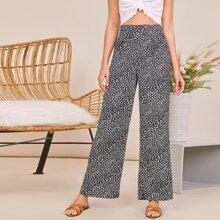 Hose mit Dalmatiner Muster und breitem Beinschnitt