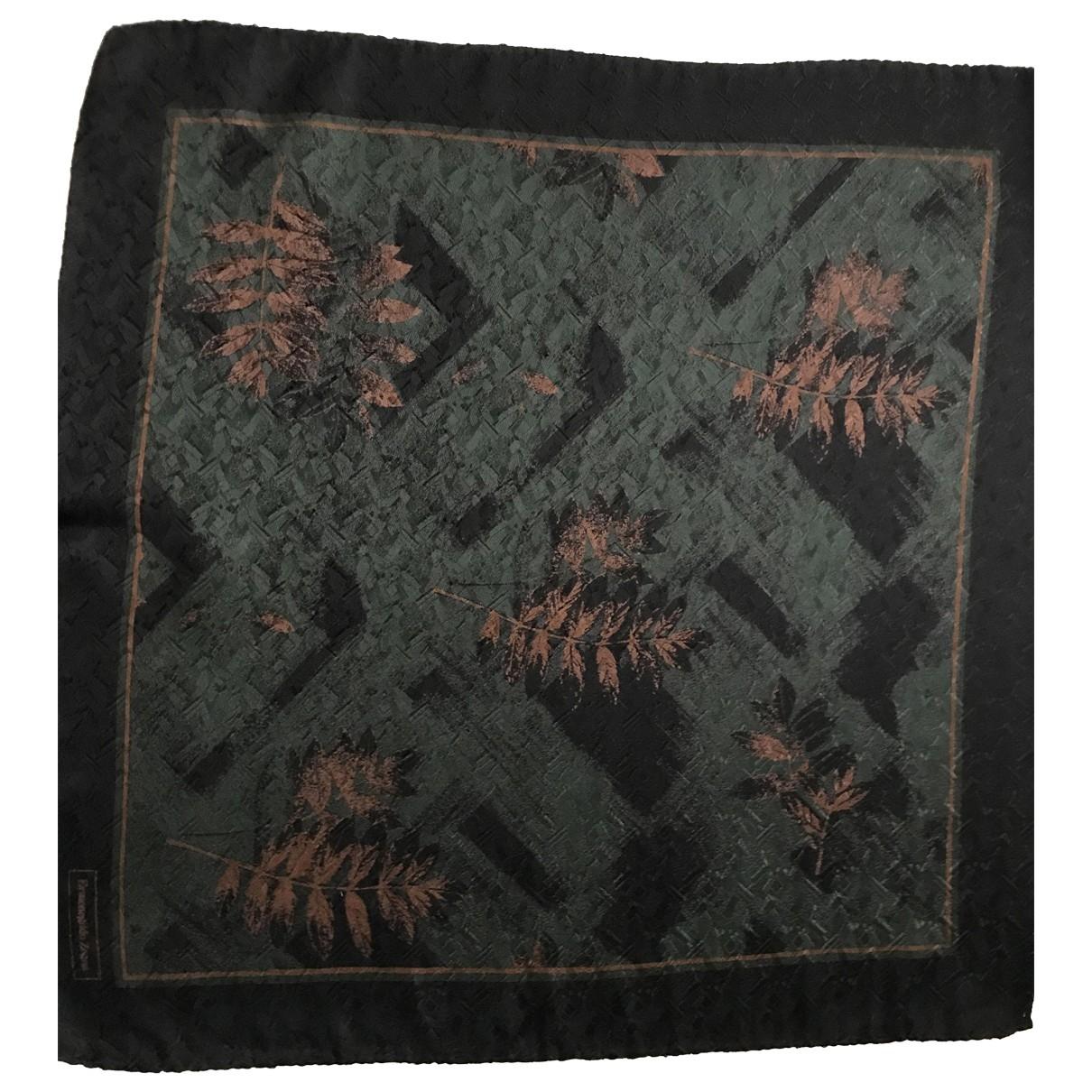 Ermenegildo Zegna \N Green Silk scarf & pocket squares for Men \N