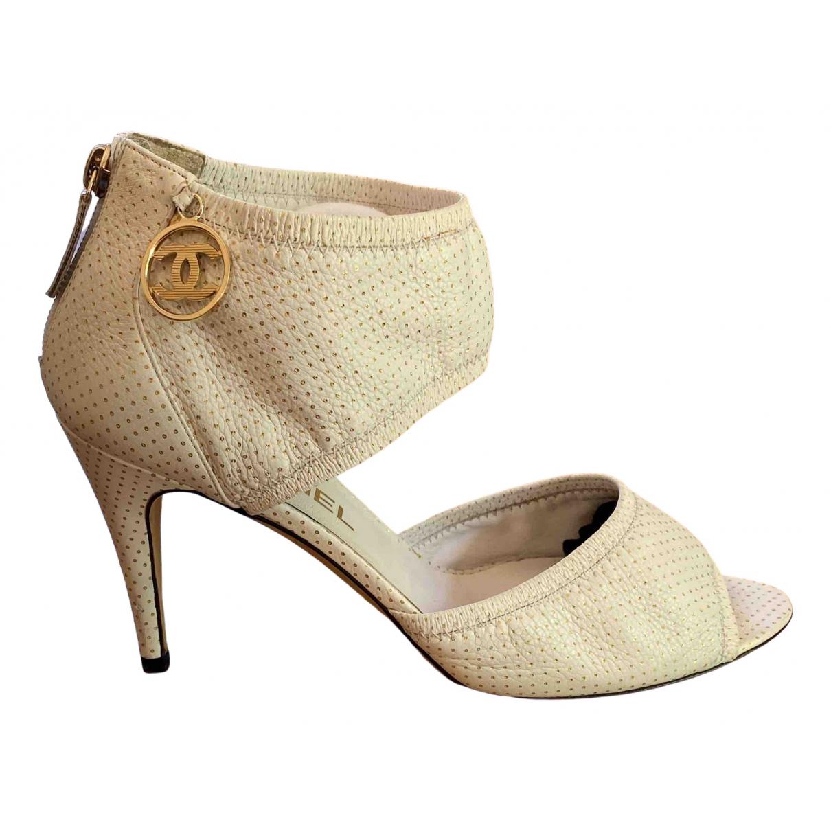 Chanel - Escarpins   pour femme en cuir - vert