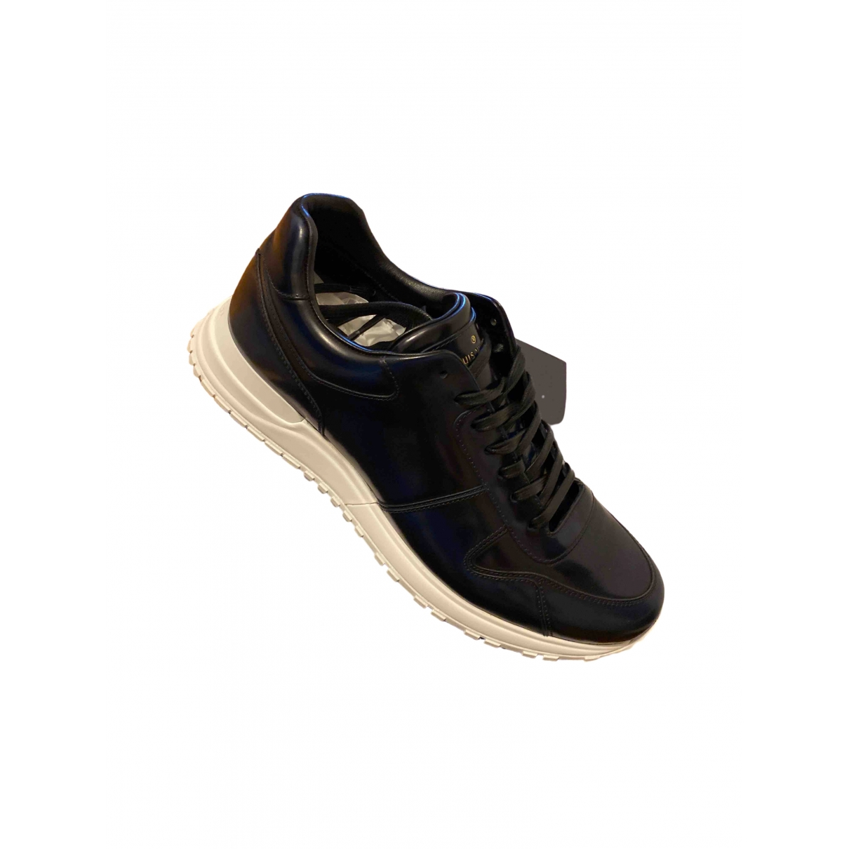 Louis Vuitton Run Away Sneakers in  Schwarz Leder