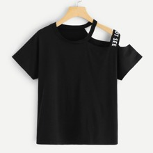 Camiseta con cinta con letra de cuello asimetrico-grande